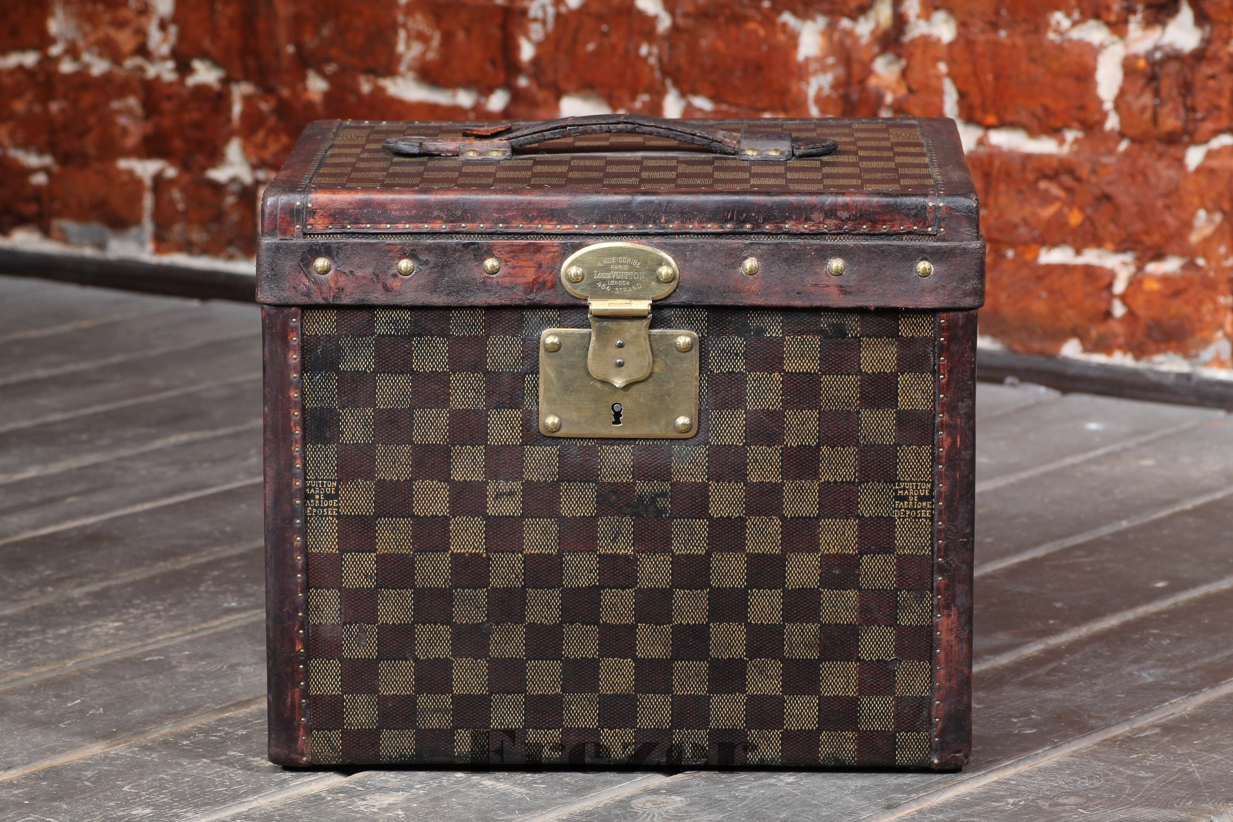 Louis Vuitton Damier Trunk