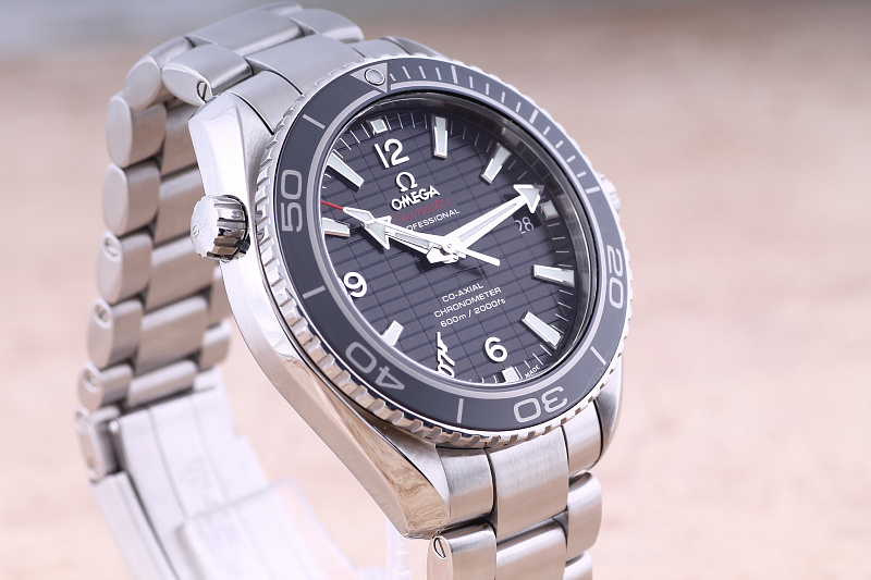 Omega Seamaster Planet Ocean 600 M Co-Axial Skyfall 007 42 mm